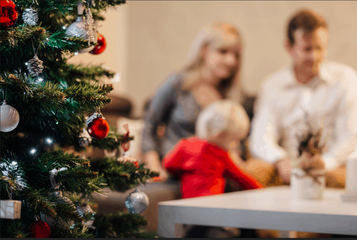 Family Christmas.14 Of The Best Christmas Traditions To Do As A Family You
